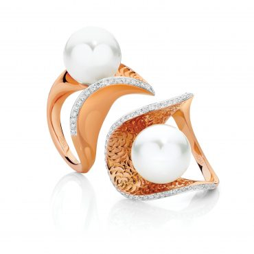 Pearl and Rose Gold Modern Ring