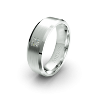 Traditional Bevelled Edged Ring with Dimaond (QF1546D)