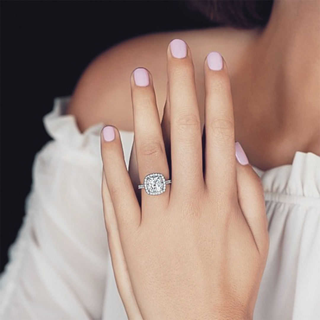 What makes the cushion cut engagement ring design unforgettable?