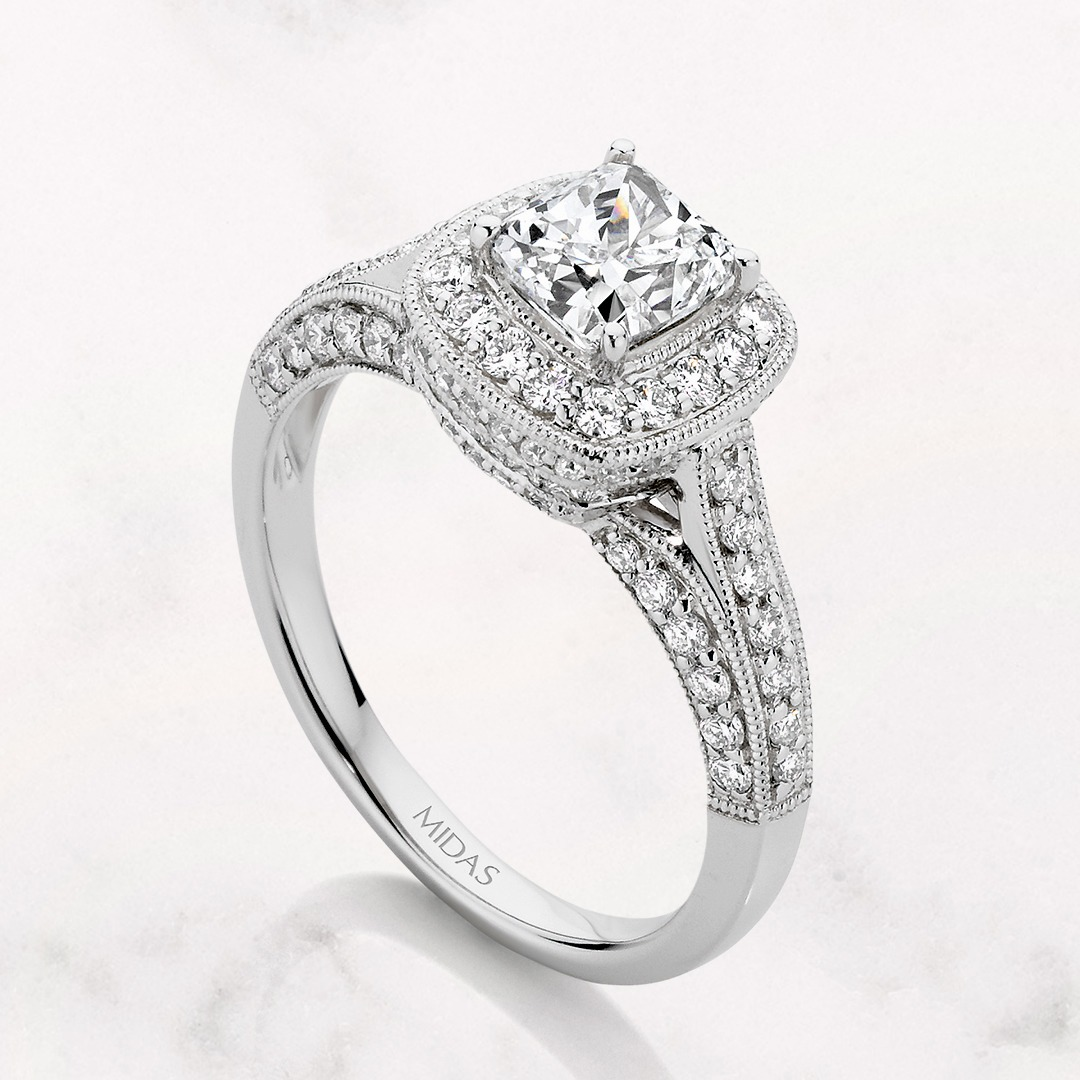 How to customise your cushion cut diamond engagement ring