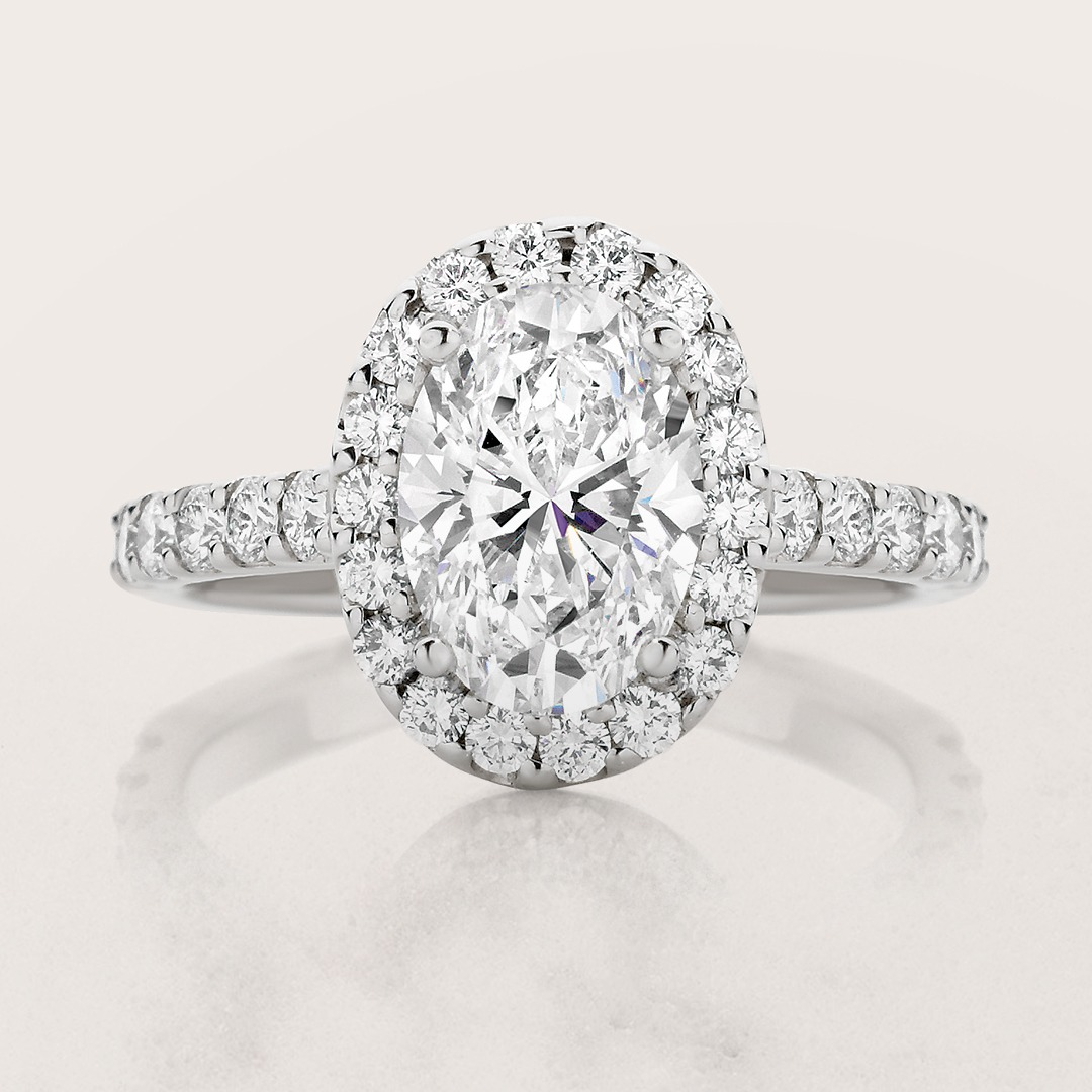 How to customise your oval engagement ring