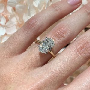 The best engagement ring for your hand