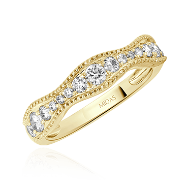 Curved Round Diamond Wedding Ring