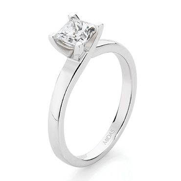 Solitaire Princess Cut Diamond – White Gold