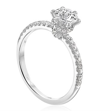 Diamond Solitaire Setting with Dazzling Shank and Shoulders
