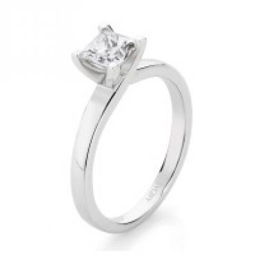 Solitaire Princess Cut Diamond – White Gold