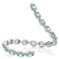 Oval Sky-Blue Aquamarine and Diamond Bracelet