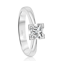 Elegant Princess Cut Solitaire Engagement Ring