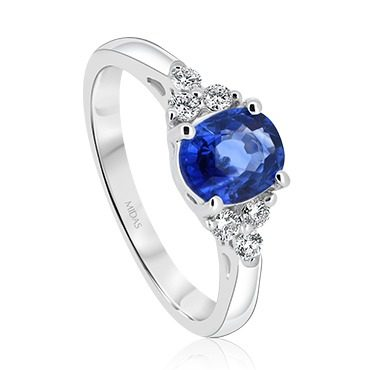 Sapphire Oval with Round Brilliant Diamond Shoulders