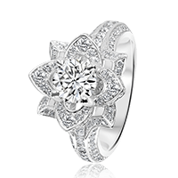 Round Brilliant Diamond Flower with Split Band