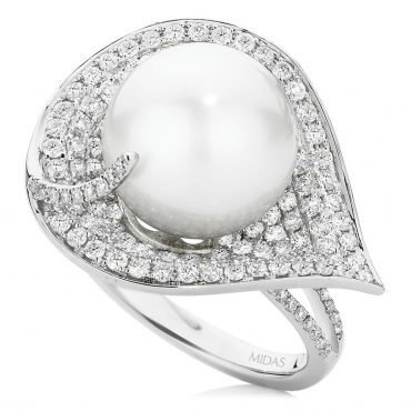 Pearl and Diamond Pavé Leaf Ring